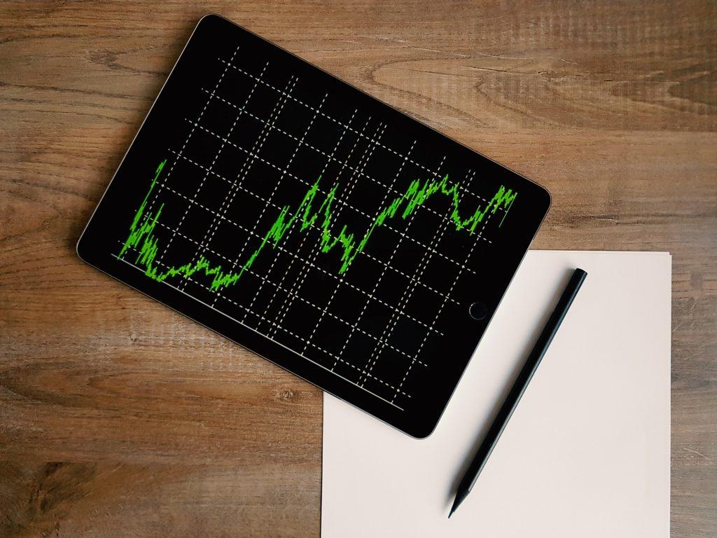 Stock Market Debate: Should I Stay, Or Should I Go?
